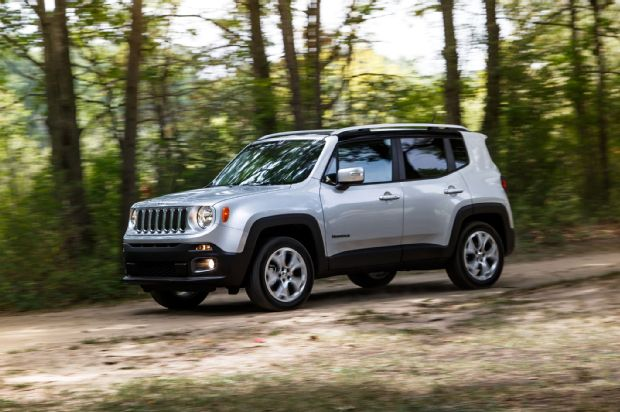2015 Jeep Renegade Limited 4 4 Front Three Quarter In Motion
