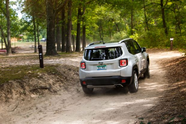 2015 Jeep Renegade Limited 4 4 Rear Three Quarter In Motion