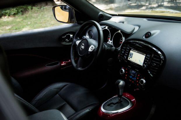 2015 Nissan Juke SL AWD Cabin