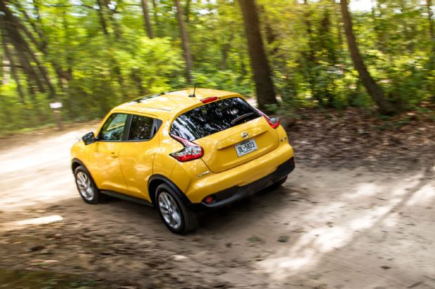 2015 Nissan Juke SL AWD Rear Three Quarter In Motion